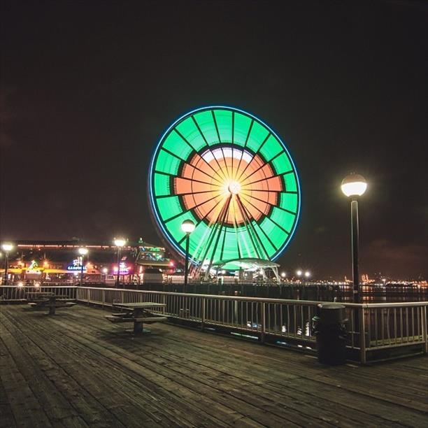 Even Seattle S Great Wheel Gets Into The Seahawks Nfc